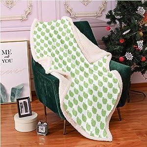 SeptSonne Apple Green Plush Blanket,Gingham Checkered Fresh Raw Fruits Print Plain Background Light Thermal Blanket,Print Artwork Blanket(50x60,Lime Green Pistachio Green White)