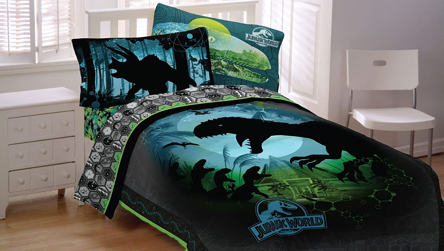 Jurassic World 4pc Twin Comforter and Sheet Set Bedding Collection