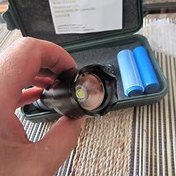 Coomatec con funci/ón de memoria Camping Monta/ñismo Kit de linterna LED de Mano Resistente al Agua Ultra Brillante Flashlight de 5 Modos para Ciclismo Senderismo y las actividades al aire libre