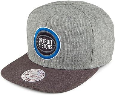 Gorra Heather Reflect. Detroit Pistons Mitchell & Ness-Gris ...