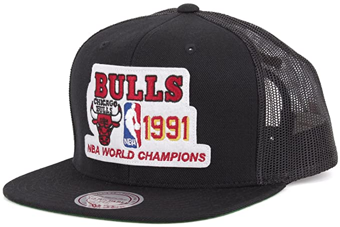 31ec4f469ac Mitchell   Ness Chicago Bulls 1991 Nba Championships Snapback ...