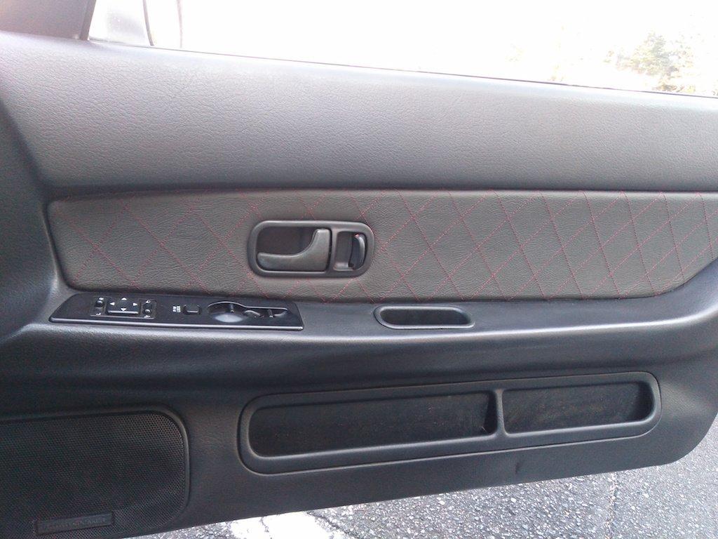 Amazon.com: RedlineGoods Nissan Skyline R32 1989-93 insercion de puertas delanteras de: Automotive