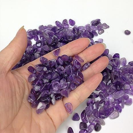 Gravilla de piedras de vidrio brillantes y coloridas. Para decorar una pecera o el jardí