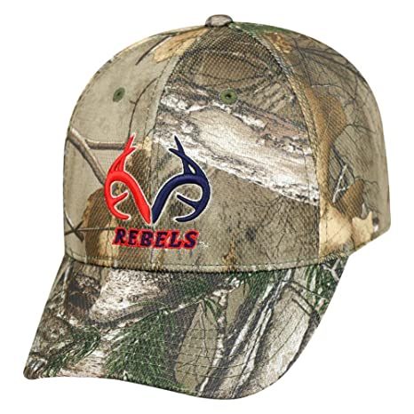 Amazon.com   Top of the World Realtree Logo Ole Miss Rebels Camo Hat ... 2ad82715d1c9