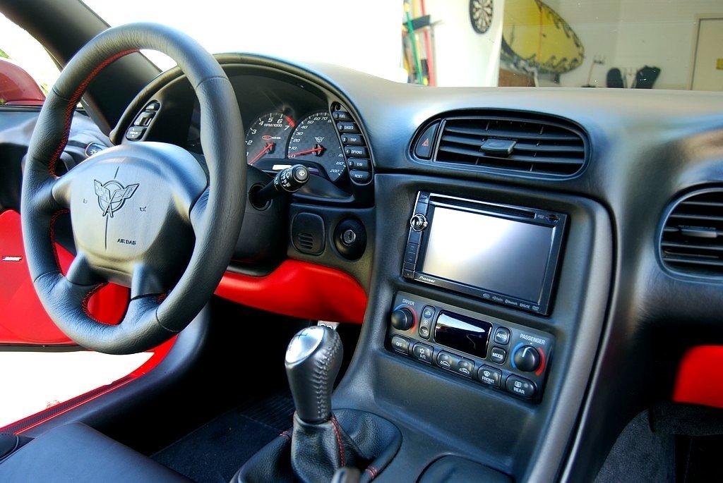 Black Leather-Black Thread RedlineGoods Shift Boot Compatible with Chevrolet Corvette C5 1997-04 C6 Shifter