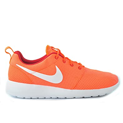 a2630f4e0ea0 Image Unavailable. Image not available for. Color  Nike Roshe Run Hyper  Crimson White Gym Red ...