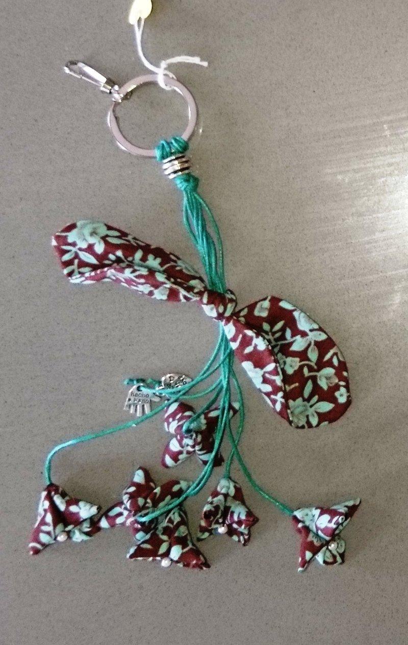 Llavero flores con lazo, artesanal. Handmade: Amazon.es ...