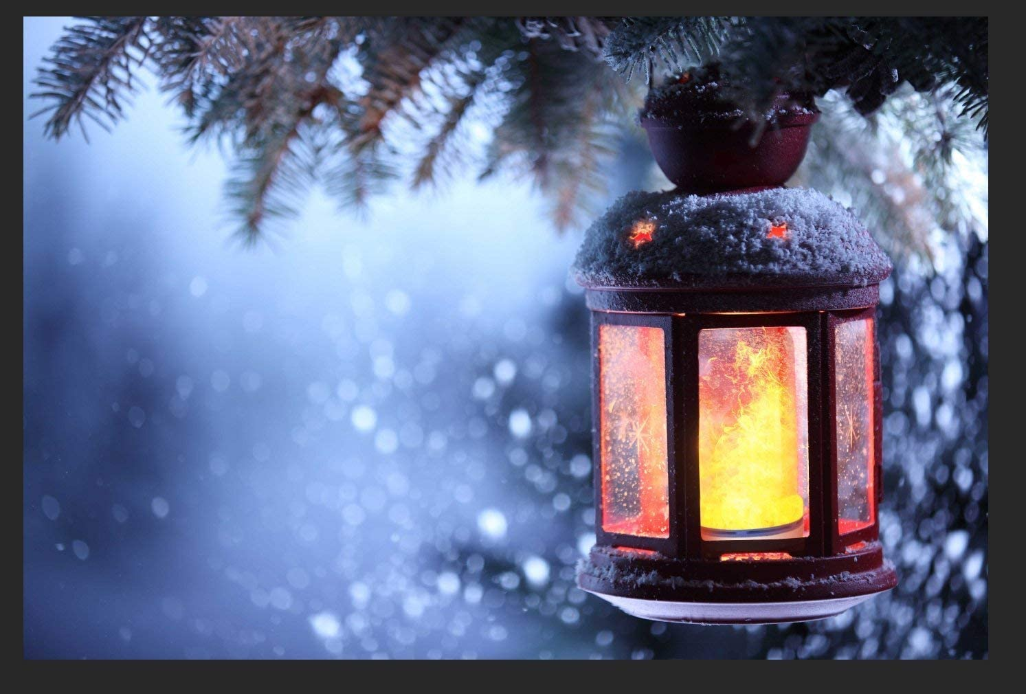 Flame effect light bulbs are the perfect choice for ambient lighting for festive seasons