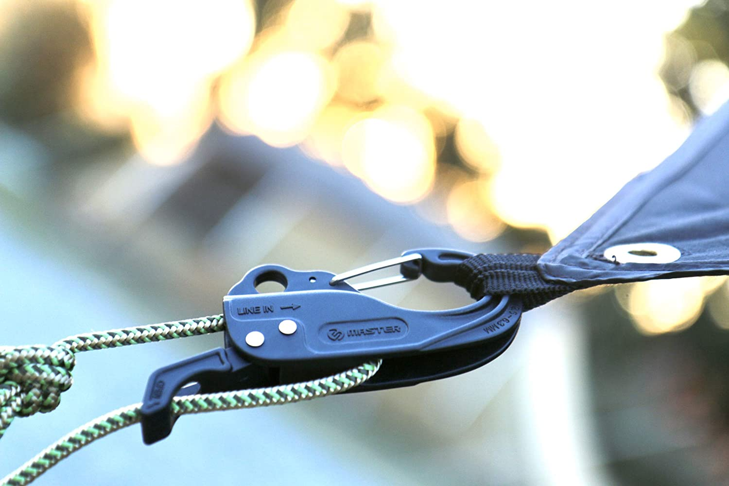 Master Quick Release and Secure Carabiner Hoist /& Tightener