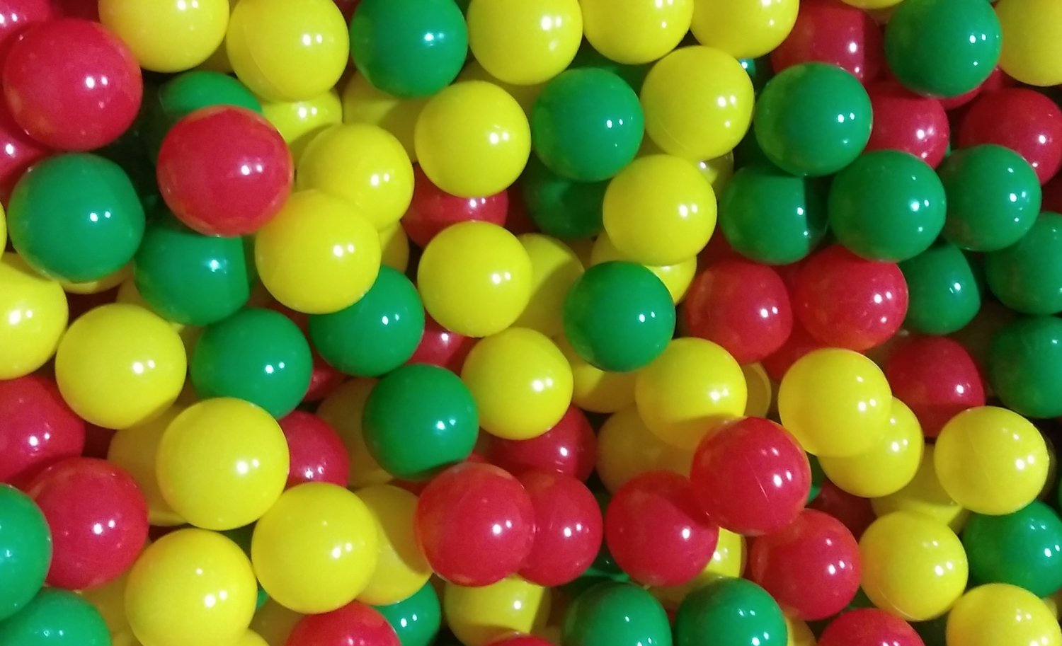 My Balls Pack of 600 Jumbo 3'' Red/Yellow/Green Colors of Season Heavy Duty Commercial Grade Crush-Proof Ball Pit Balls - Phthalate Free BPA Free Non-Recycled Plastic by My Balls (Image #4)