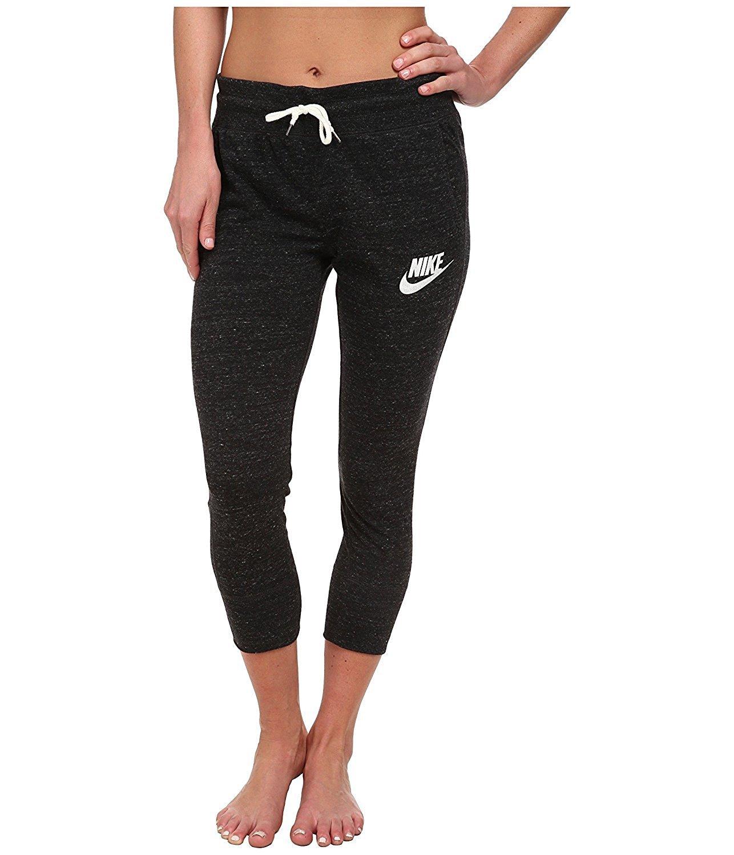 cheap for discount 2ad74 56756 Amazon.com  Nike Gym Vintage Women s Capris Sweatpants 813875 010 (m),Black  Heather  Sports   Outdoors