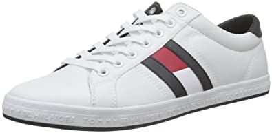 cd013906a Tommy Hilfiger Men s Essential Flag Detail Sneaker Low-Top  Amazon ...