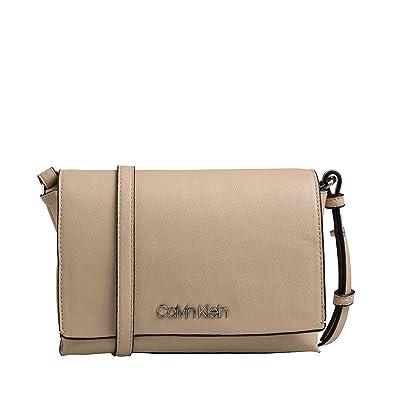 7bccee5d69fc6 Calvin Klein Tack Umhängetasche 22 cm  Amazon.de  Koffer