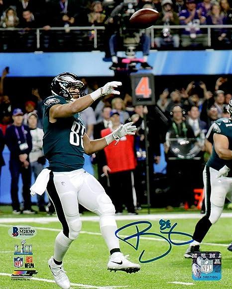 2e27cef2 Beckett BAS Trey Burton Autographed Signed Super Bowl 52 Philly Special  Philadelphia Eagles 8x10 Photo