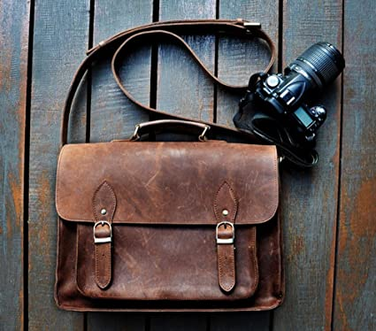 Amazon.com   FeatherTouch Genuine Leather Camera Bag Messenger Bag ... e434ab635232a