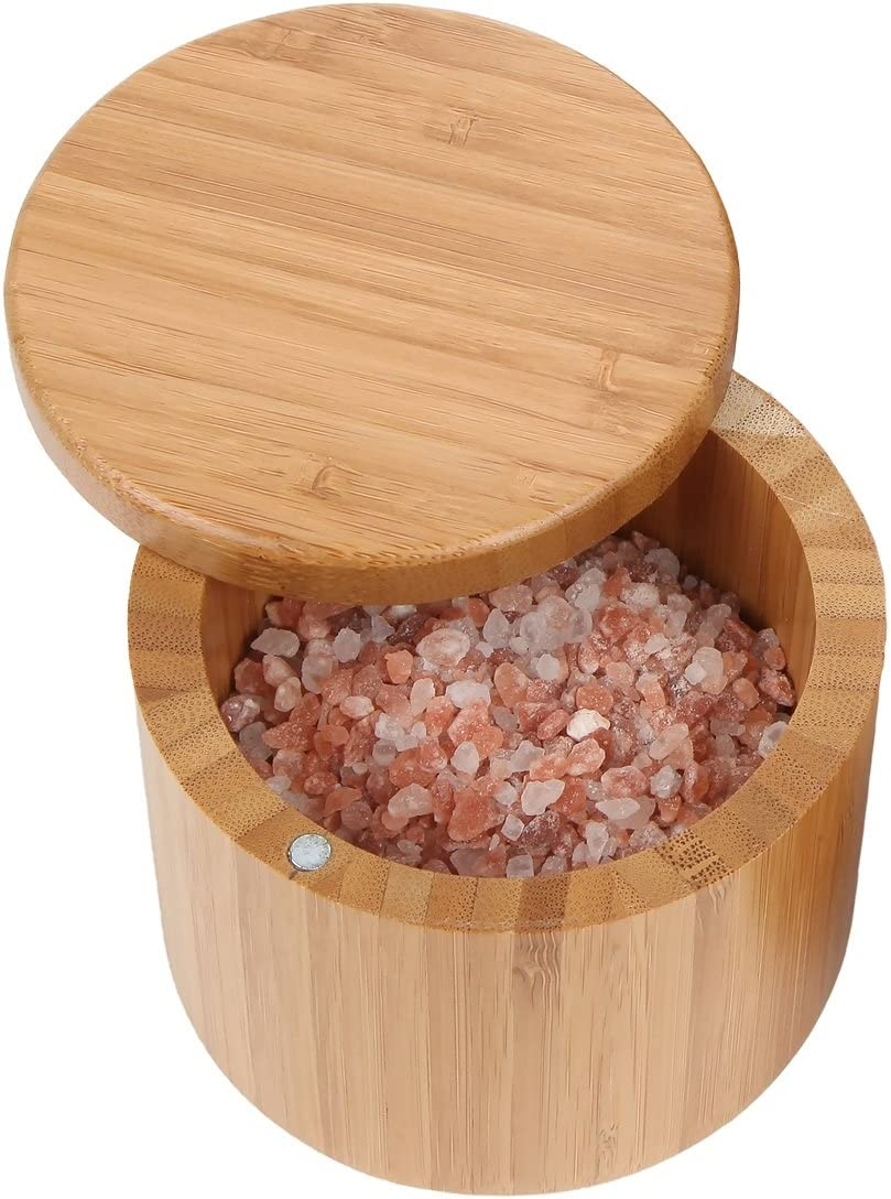 وعاء الخيزران المستدير من Lily's Home ، وعاء تخزين الملح والتوابل ، صندوق خشبي بحجم صغير 177 مل مع قفل مغناطيسي