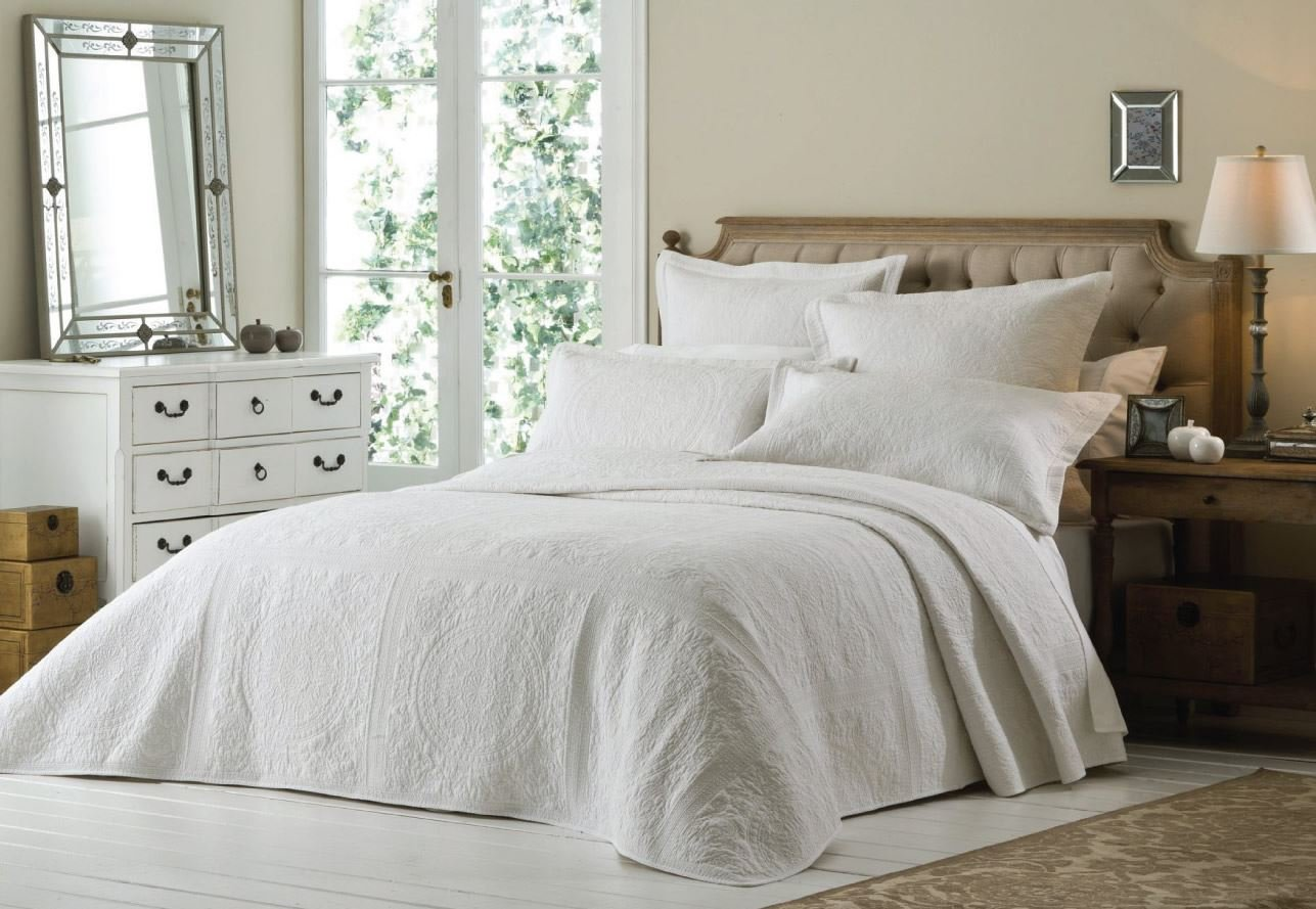white french bedspread uk
