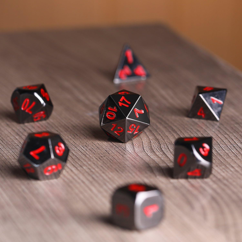 d20 d8 Nero e Rosso d6 e d4 d12 Lega di zinco Dadi Metallo Poliedrici 7-Die Dice Set per Dungeons and Dragons RPG Gioco dei Dadi D/&D Insegnamento della Matematica 00-90 e 0-9 2 Pezzi d10