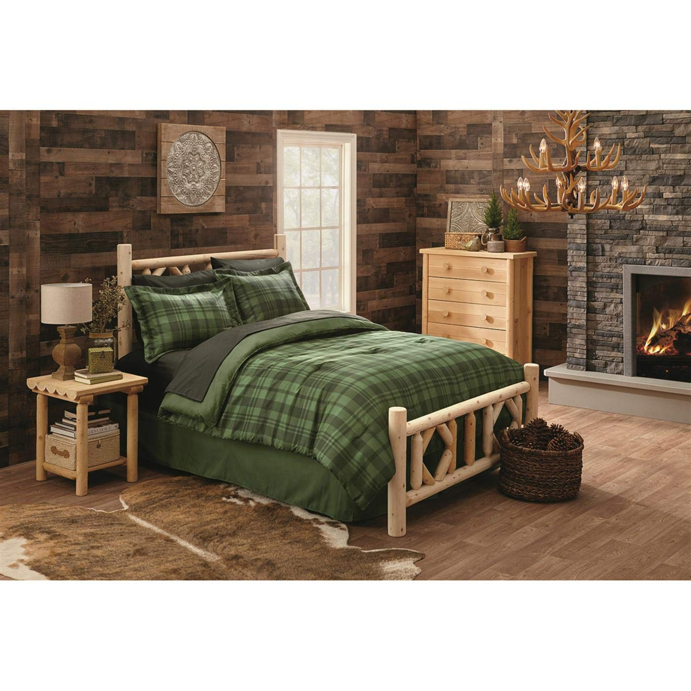 CASTLECREEK Diamond Cedar Log Bed, Queen by CASTLECREEK