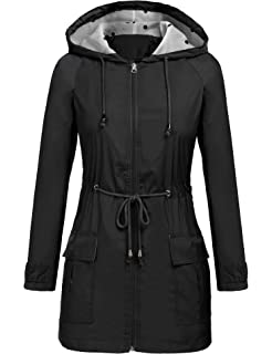 c5227b88610f4 RUI DI YAN Women Windbreaker Waterproof Lightweight Jacket with Hooded  Travel Raincoat Packable Outdoor Rain Jacket