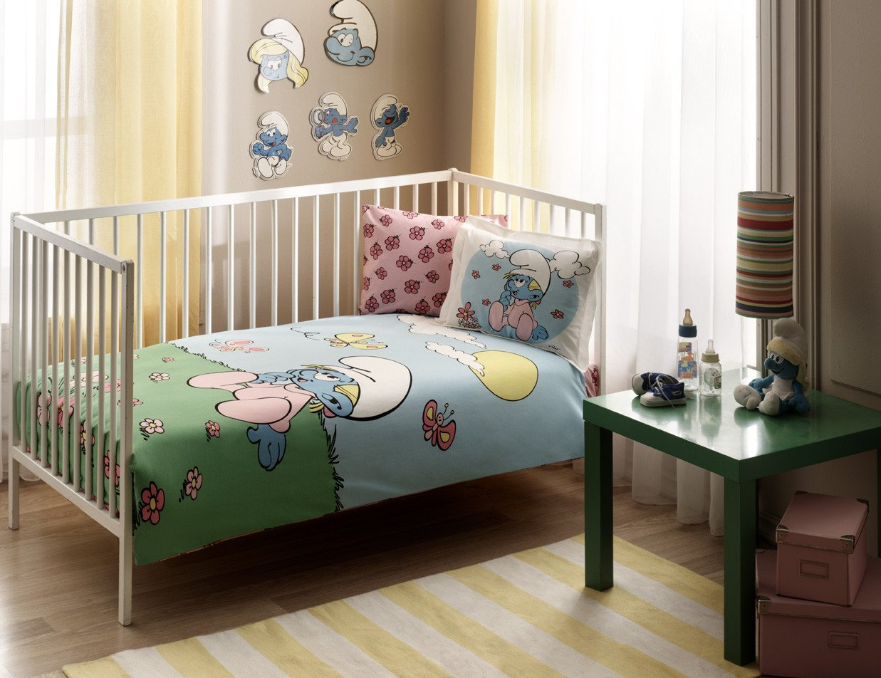 LaModaHome 4 Pcs Luxury Soft Colored Licensed Baby Quilt Cover Set 100% Cotton Blue Yellow Pink Green White Smurfs Grass Butterfly Baby Bed with Flat Sheet