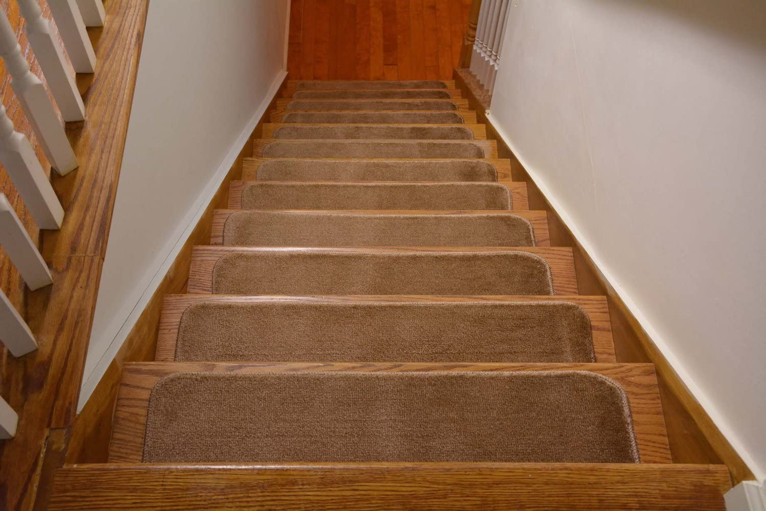 Set of 13, Black Stair Tread Treads Indoor 7 inch x 24 inch Machine Washable Skid Slip Resistant Carpet Stair Tread Treads Comfy Collection