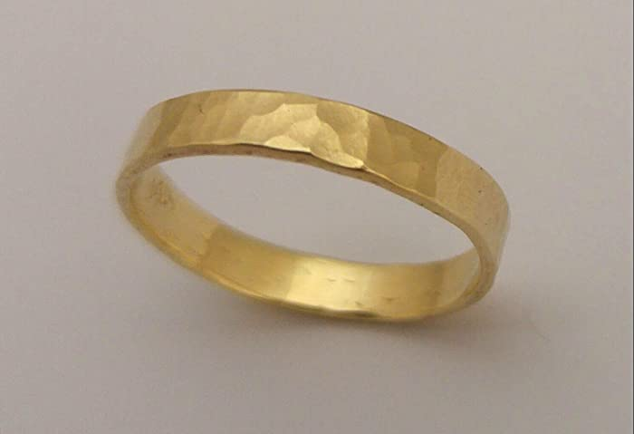 77aa4ed632c71 Amazon.com: Solid 14K Yellow Gold Simple Hammered Wedding Ring for ...