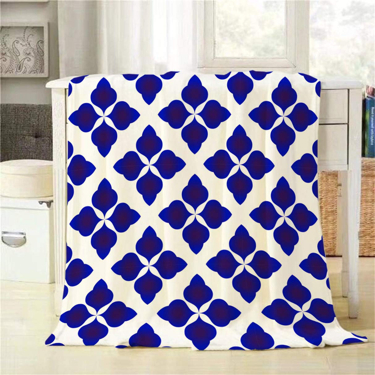 Sensational Amazon Com Mugod Throw Blanket Blue And White Abstract Uwap Interior Chair Design Uwaporg