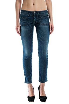 088b85ecfc Amazon.com  Diesel Women s Hushy 0660E Skinny Jeans - Size 24Wx32L ...