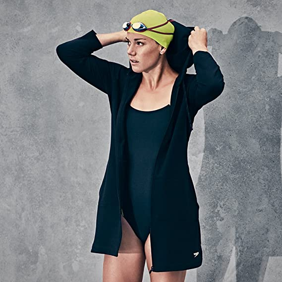 d7018d2ce88 Amazon.com  Speedo Women s Aquatic Fitness Robe Cover Up with Hood  Sports    Outdoors