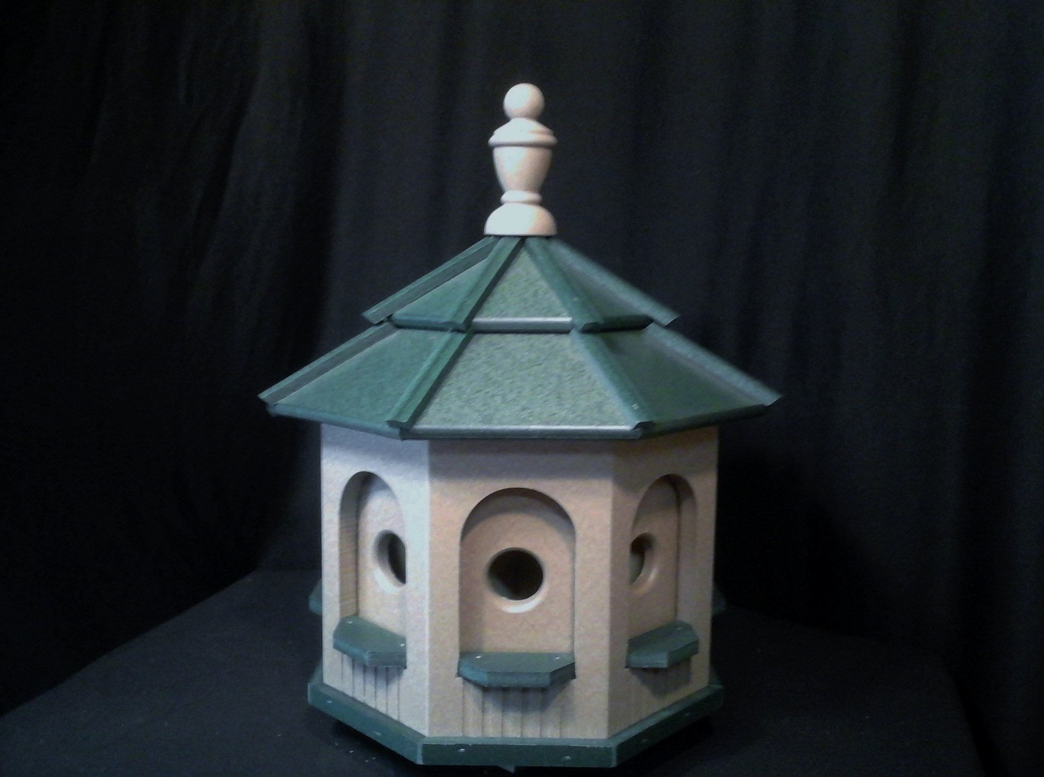 Medium Vinyl Octagon Birdhouse Amish Homemade Handmade Handcrafted Clay & Green