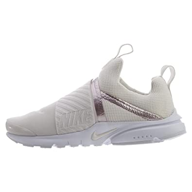 new product 18a0b 03bbe Amazon.com   Nike Presto Extreme Big Kids   Sneakers