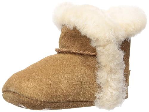 5cdecb67927 Amazon.com: UGG Kids' Lassen Crib Shoe: Shoes
