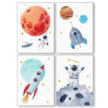Pandawal Wandbilder Kinderzimmer/Babyzimmer Bilder für Junge und Mädchen  Astronaut/Planeten 4er Poster Set Weltraum Deko (P1) im DIN A3 Format…