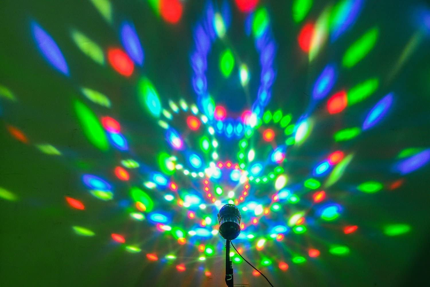 Topo Outdoor Disco Ball Light LED Party Lights Magic Rotating Color Changing Garden Christmas Landscape Projector for Home Wall Holiday Stage Decoration