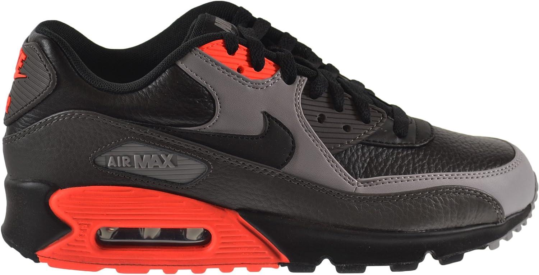 Equivalente hipocresía canal  Amazon.com | Nike Air Max 90 Leather Men's Shoes Black/Black-Medium Ash-Total  Crimson 652980-002 (13 D(M) US) | Fashion Sneakers