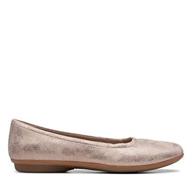 4a40cc5e473a7 Clarks Women's Gracelin Vail Ballet Flats: Buy Online at Low Prices in  India - Amazon.in