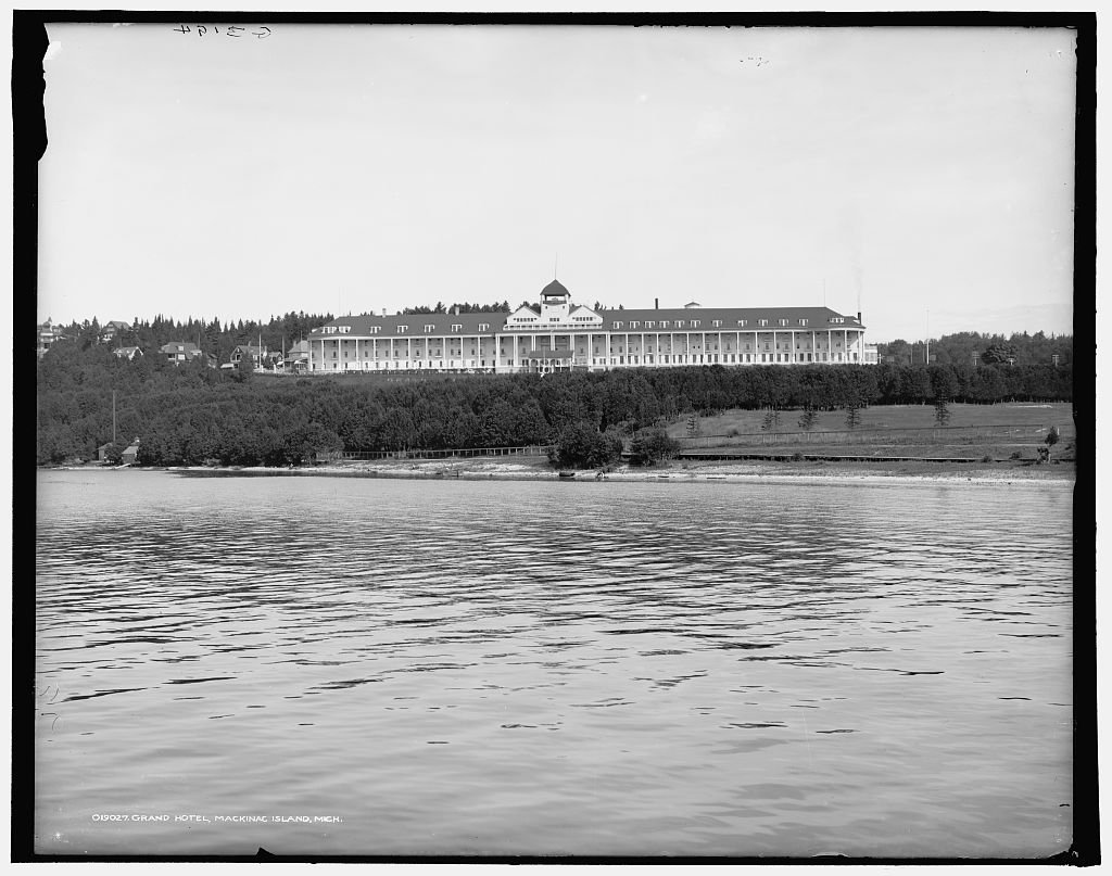 Vintography 24 x 30 Giclee Unframed Photo Grand Hotel Mackinac Island Mich 1903 Detriot Publishing co. 92a