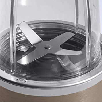 Blade-Nutribullet Pro 900 watts powerful blender