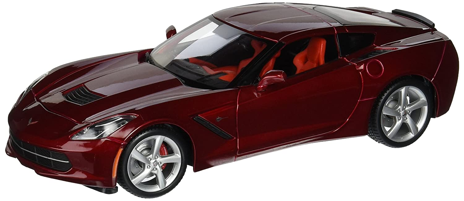 Amazon com 2014 corvette c7 diecast model car in red 1 18 scale by maisto toys games