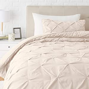 AmazonBasics Pinch Pleat Down-Alternative Comforter Bedding Set - Twin/TwinXL, Beige