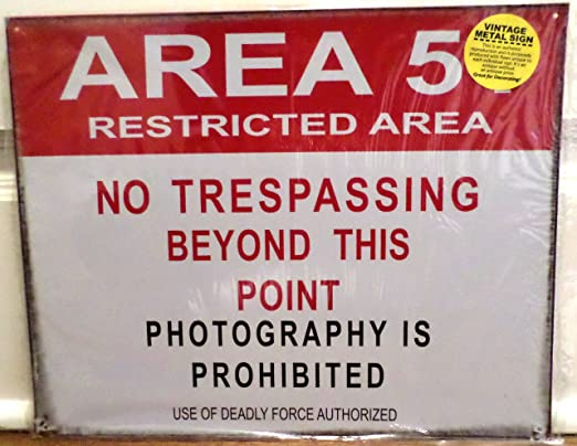 Amazon.com: Area 51 Tin Sign 15 x 12 en: Home & Kitchen