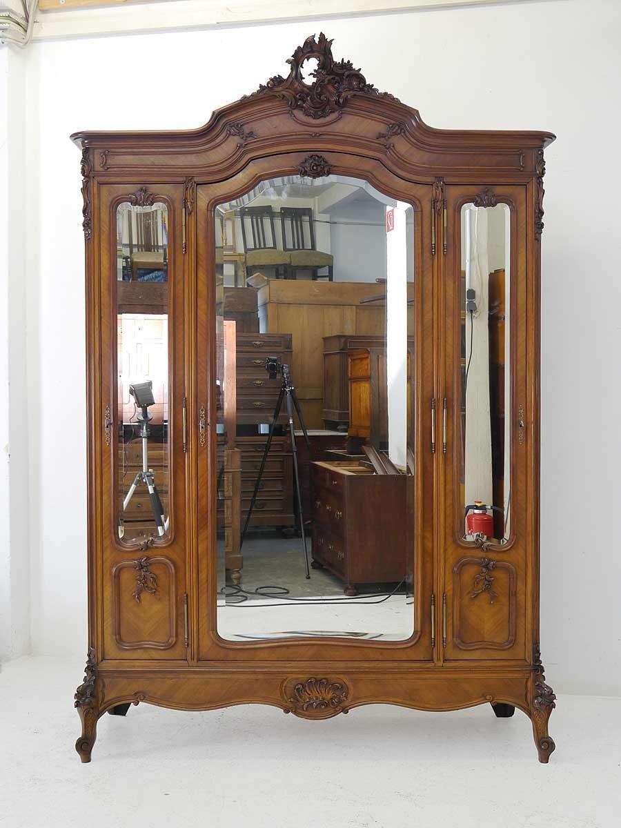 Antiker Kleiderschrank Um 1910 Im Rokoko Stil Jetzt Kaufen