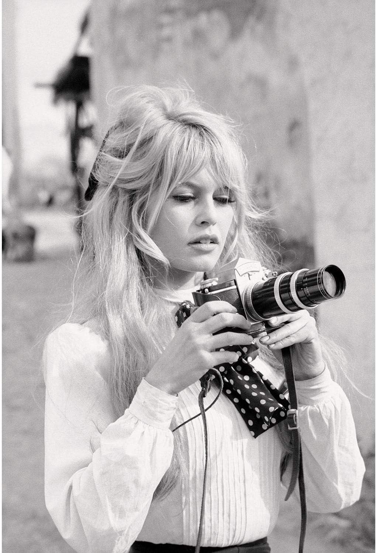 Fabulous Poster Affiche Photo de Star C/él/ébrit/é Brigitte Bardot Actrice Vieux Cin/éma Original 1 30x44cm