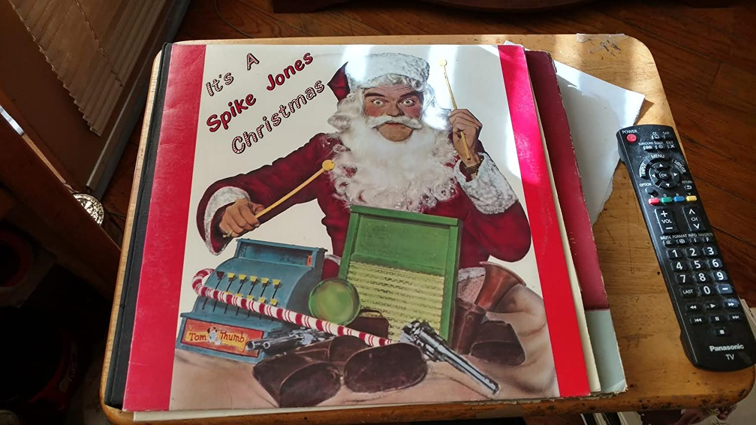 It's a Spike Max 67% OFF NEW Christmas Jones