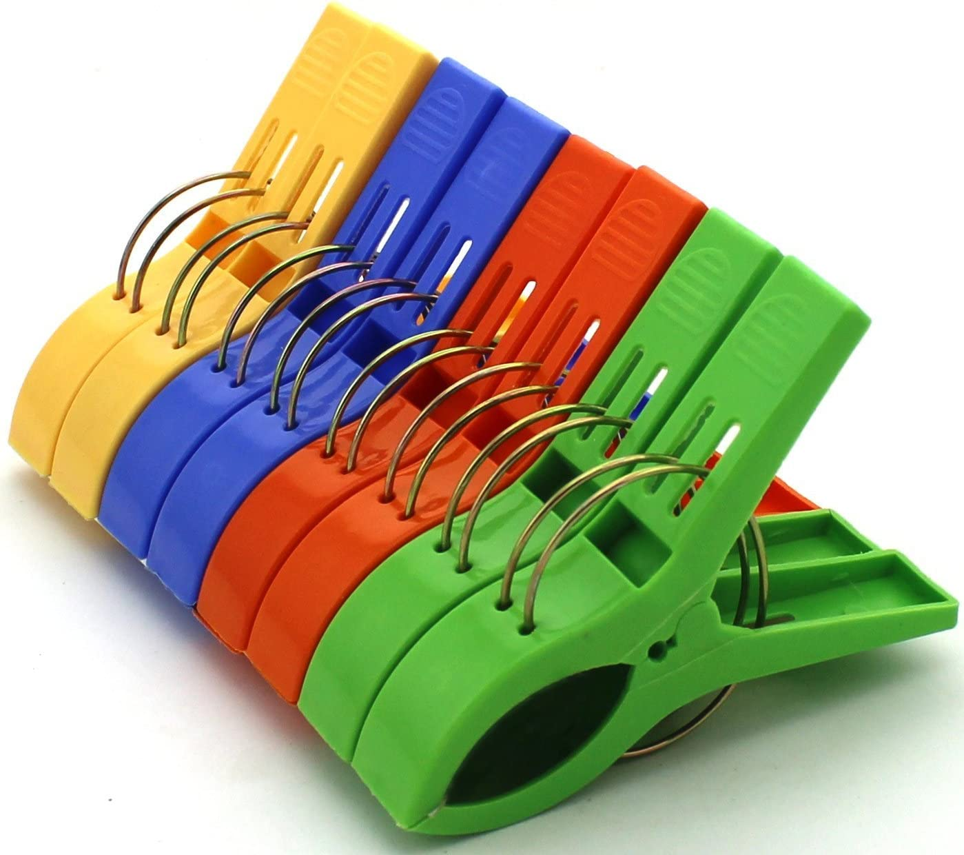 HAZOULEN Set of 8 Beach Bath Towel Clips in 4 Fun Bright Colors for Beach Chair