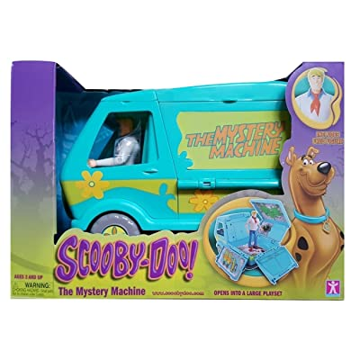 Scooby Doo! Mystery Machine with Fred Figurine: Toys & Games