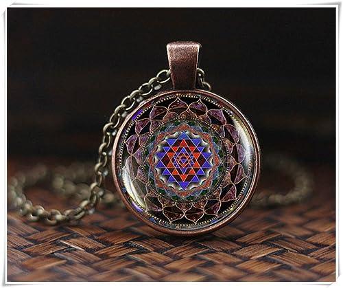 Amazon.com: Collar budista de larga duración, colgante de ...