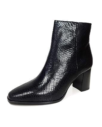 5897045c6688 Amazon.com: Massimo Dutti Women Black animal print leather ankle boots  1180/021: Clothing