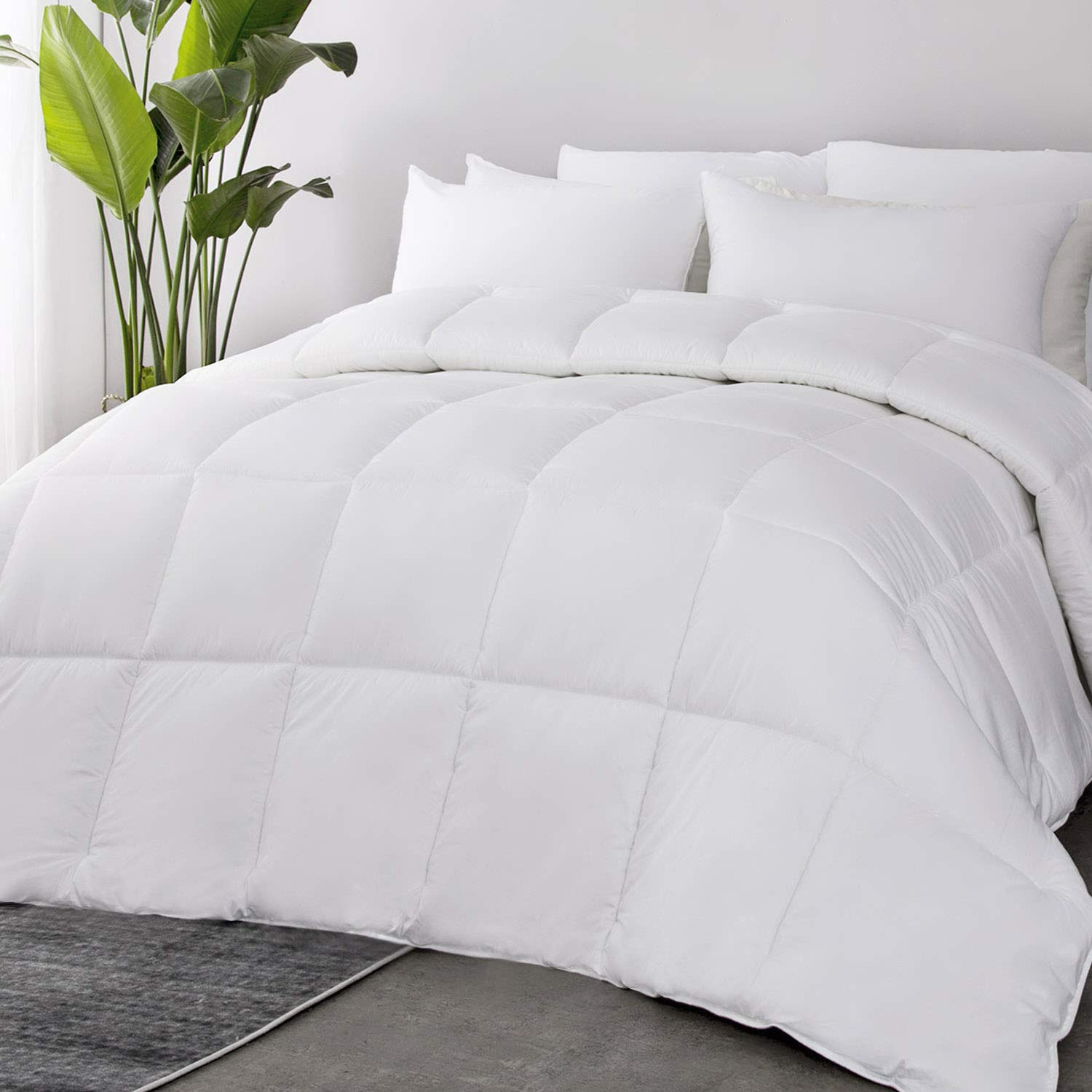 Bedsure 100% Cotton All-Season Quilted Down Alternative Comforter Queen with Corner Tabs - 60OZ Lightweight&Fluffy Plush Microfiber Fill in Whole Piece, Machine Washable with No Clumping Duvet Insert